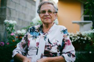 damir bosnjak VQ2L7t5qt 8 unsplash 300x200 - قصص نجاح طالبة جامعية عمرها 87 سنة