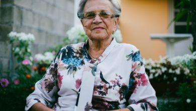 damir bosnjak VQ2L7t5qt 8 unsplash 390x220 - قصص نجاح طالبة جامعية عمرها 87 سنة