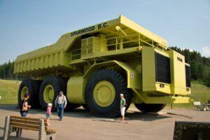 أكبر شاحنة نقل بالعالم