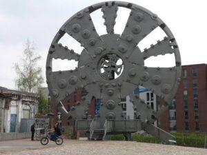 أكبر آلة حفر الأنفاق في العالم