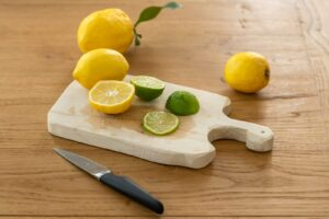 WhatsApp Image 2020 07 01 at 3.59.35 PM 2 300x200 - فوائد قشر الليمون : فوائد واستخدامات للبشرة والشعر والمنزل