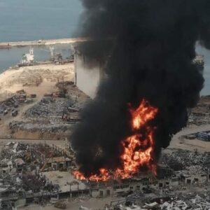 اندلاع حريق جديد كبير في مرفأ بيروت