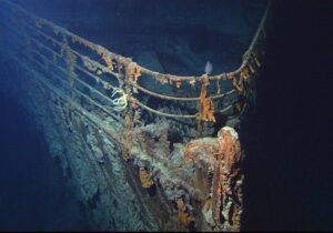 سفينة غارقة