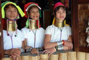 نساء قبيلة كايان