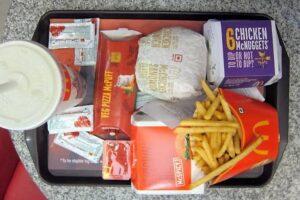 WhatsApp Image 2020 09 13 at 1.02.49 PM 5 300x200 - طعام ماكدونالدز لا يتعفن / سر إلغاء شعار شركة كنتاكي