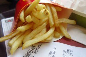 WhatsApp Image 2020 09 13 at 1.02.49 PM 9 300x200 - طعام ماكدونالدز لا يتعفن / سر إلغاء شعار شركة كنتاكي
