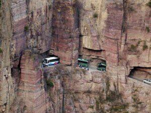 أخطر الطرقات في العالم