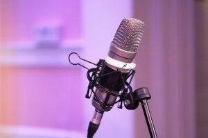 podcast 3696504  340 300x200 - الربح من الانترنت من المنزل في زمن الكورونا
