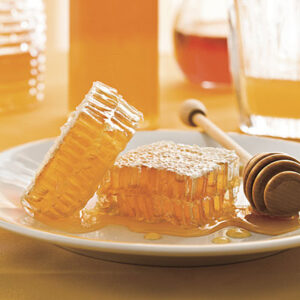 1109 300x300 - أهم فوائد العسل الخام ومالفرق بينه وبين العسل التجاري؟
